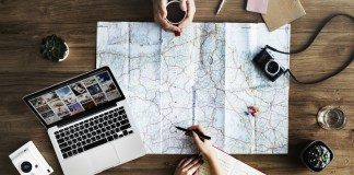 6 reasons to write a travel blog on the road