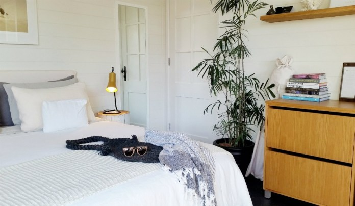 Boutique Byron Bay Accommodation: 28 Degrees Byron Bay Review - Room