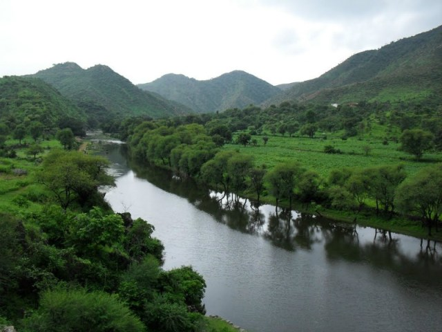 National Highway 76 Surroundings: Udaipur to Pindwara road trip