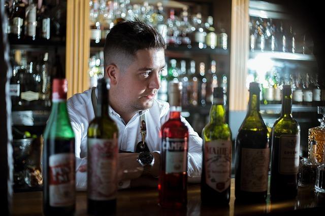 Best travel jobs: Bartender