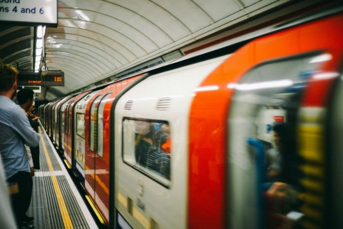 budget-living-in-london-commuting