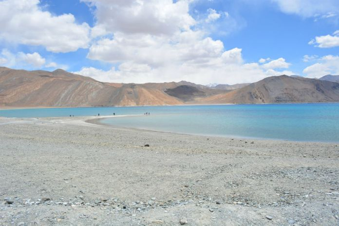 india on a budget-leh