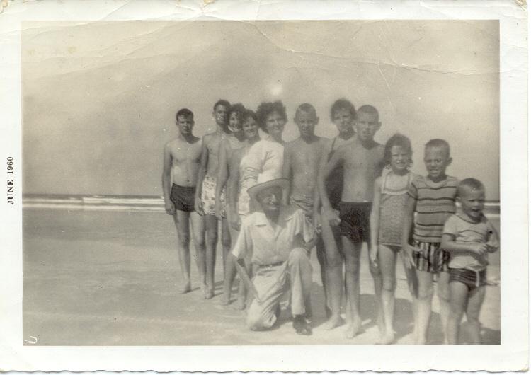"""Connie's grandfather, """"Pop"""" Freeman, and his 11 grandchildren"""