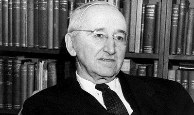 Investimento que eleva a demanda por capital | Friedrich Hayek