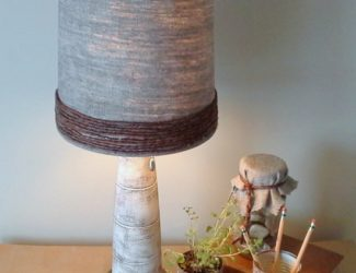 grapevine-wire-trimmed-lamp-shade-revamp-StowandTellU