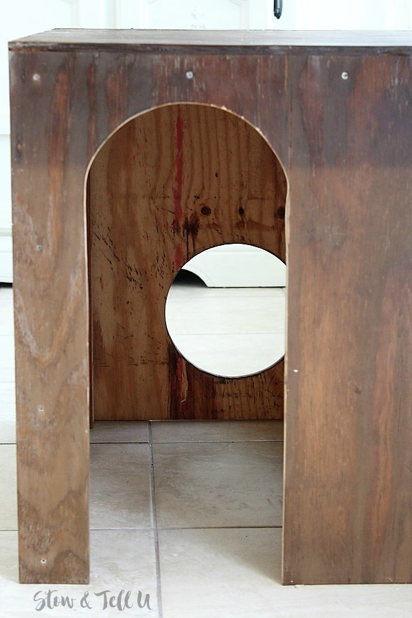How to build a wood cat cubby | wood-cat-crate-arched-opening | stowandtellu.com