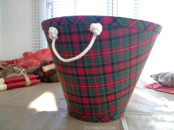 diy-lampshade-christmas-gift-basket