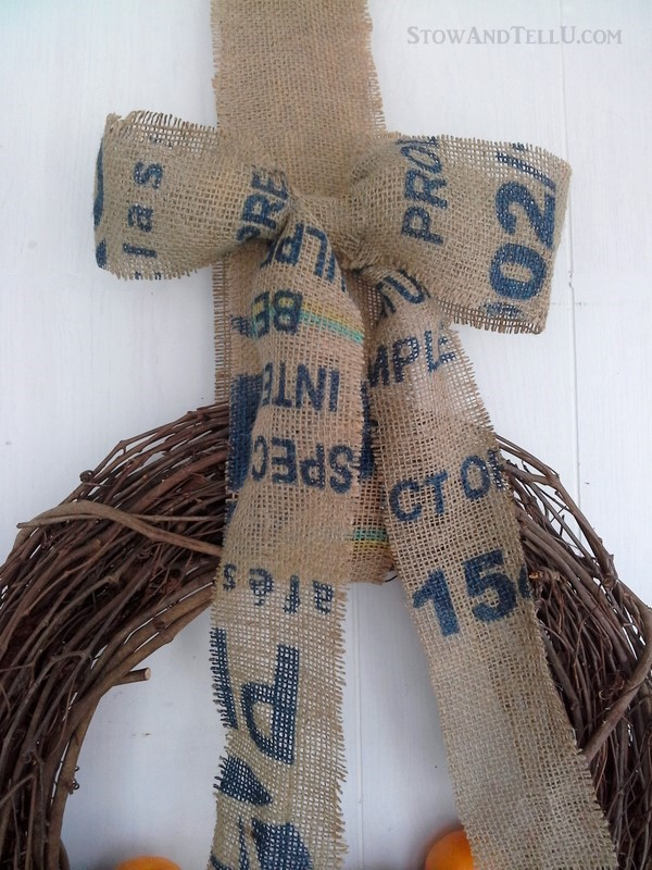 How to make an easy coffee or potato sack bow from StowandTellU.com