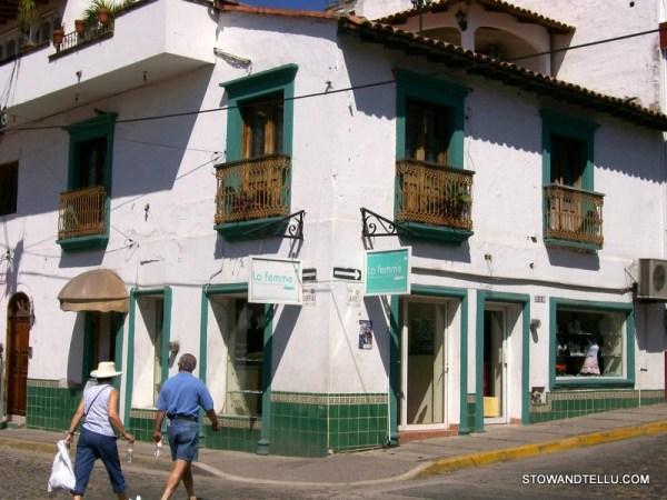 old-town-vallarta-archiatecture