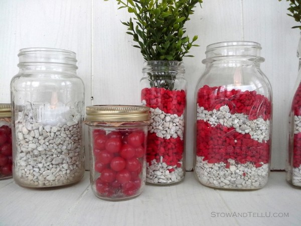 Simple decor idea using fish tank gravel. Use red and white for Valentines Day. You can also fill jars with sour cherries or red hots - Stow and TellU