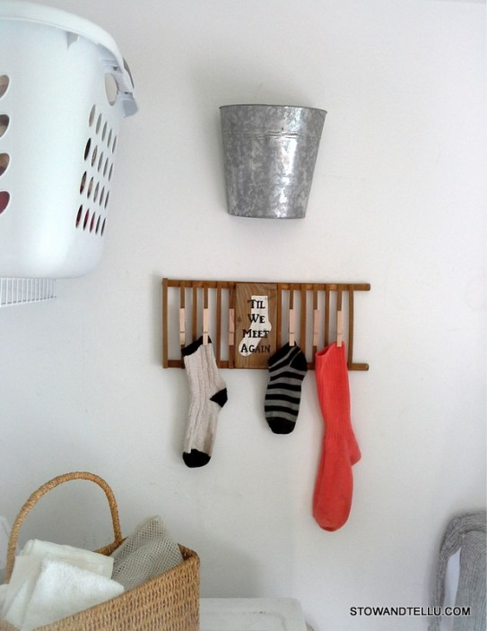 Missing or lost sock diy laundry room sign upcycled from wooden dish rack - StownadTellU.com
