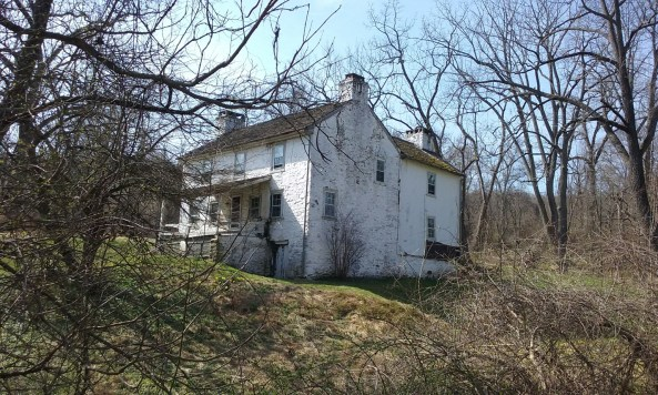 valley-forge-house-ruins-horse-shoe-trail-rte-23 - StowandTellU.com