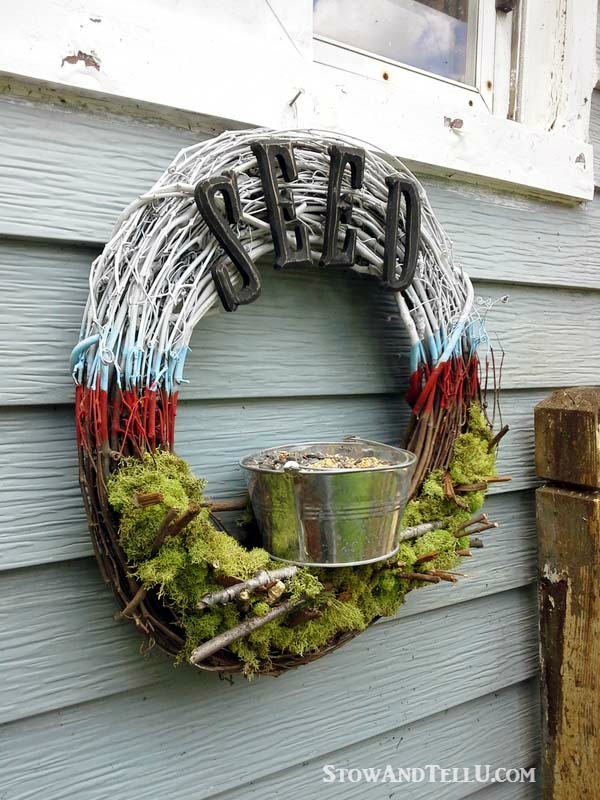 patriotic-bird-feeder-craft-wreath-stowandtellu