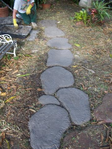 Making Faux Stepping Stones: 4 Hand Shaped Stone Path Ideas