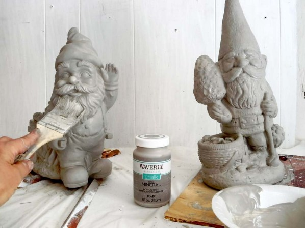 Make yard ornaments look like cement - StowandTellU.com