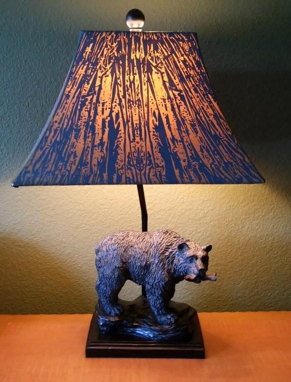 Smoky Mountain style decor -bear lamp - StowandTellU.com