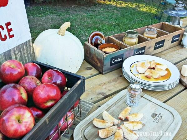 diy-fall-party-apple-bar stowandtellu