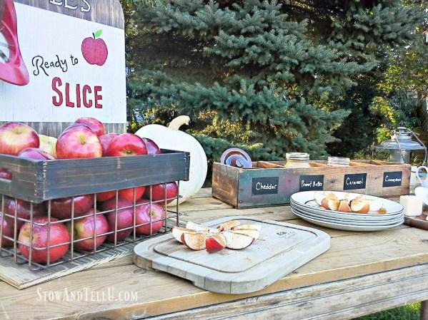 fall-harvest-apple-bar stownadtellu