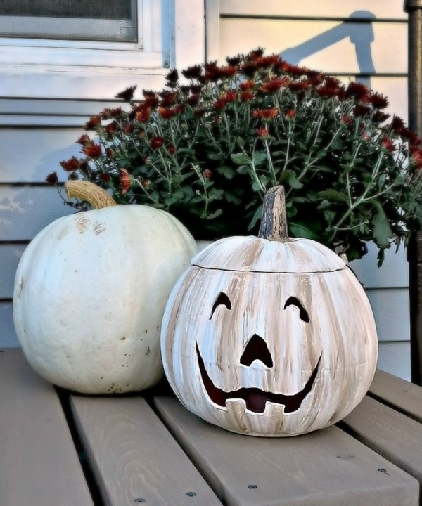 White ceramic painted jack-o-lantern pumpkin - StowandTellU.com