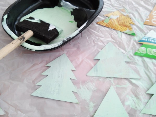 How to make rustic moss Christmas ornaments