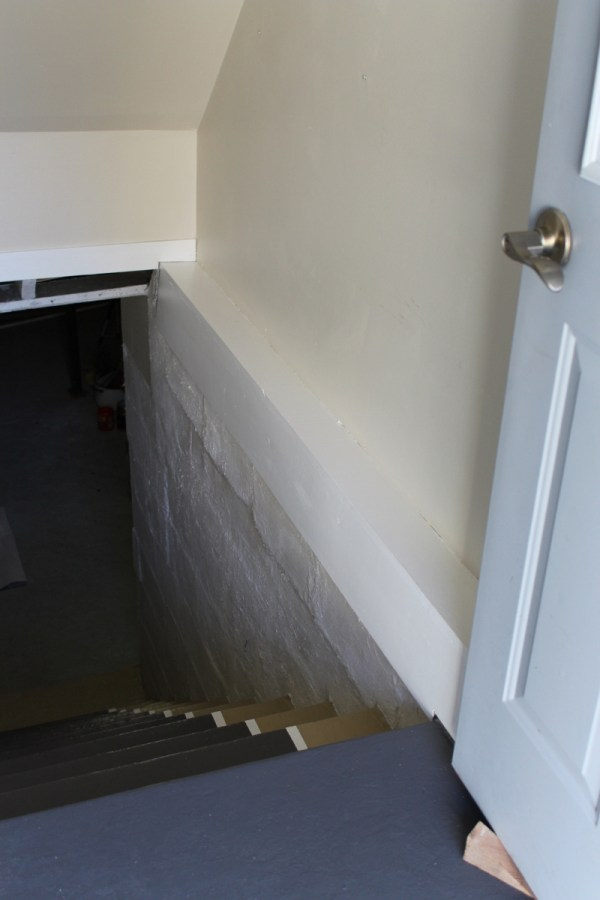 $100-room-challenge-entryway-stairwell
