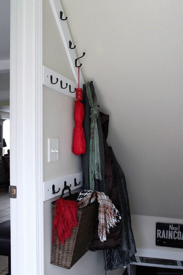 diy-angled-stairwell-coat-rack | stowandtellu