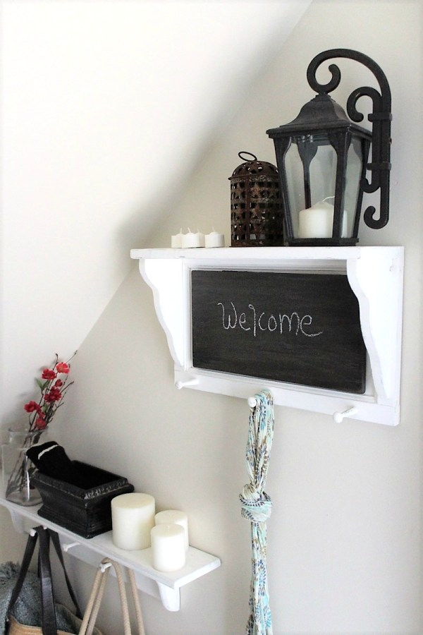 faux-wood-chalkboard-paint-shelf | stowandtellu