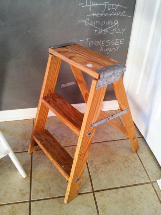 wooden-industrial-step-ladder