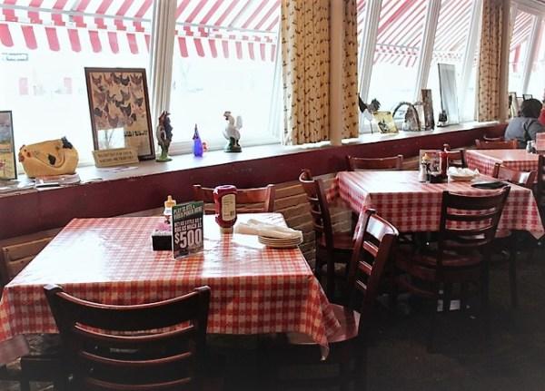 rt-66-decor-chicken-basket-dining-tables | stowandtellu.com