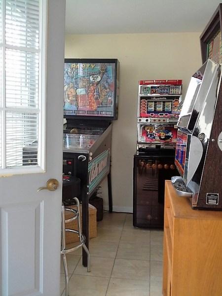 sun-porch-game-room