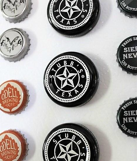 Repurposed beer and barbecue sauce bottle cap magnets | stowandtellu.com