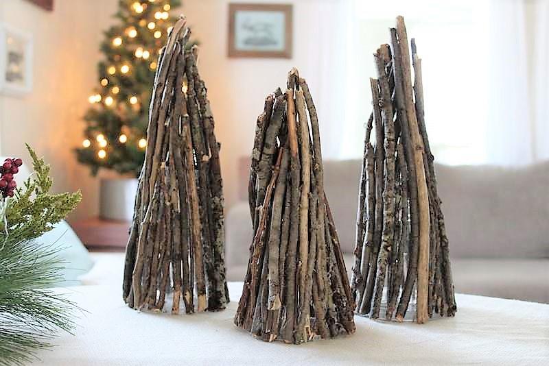 DIY Branch Christmas tree decor   stowandtellu.com