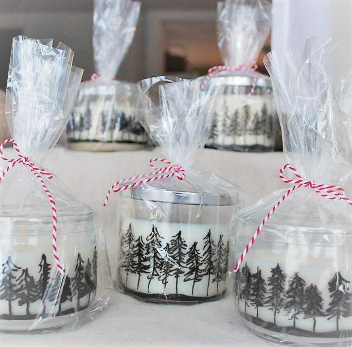 How to make Pine Tree Jar Candles with a paint marker | Stowandtellu.com | Winter wedding or party favor gift idea | stowandtellu.com