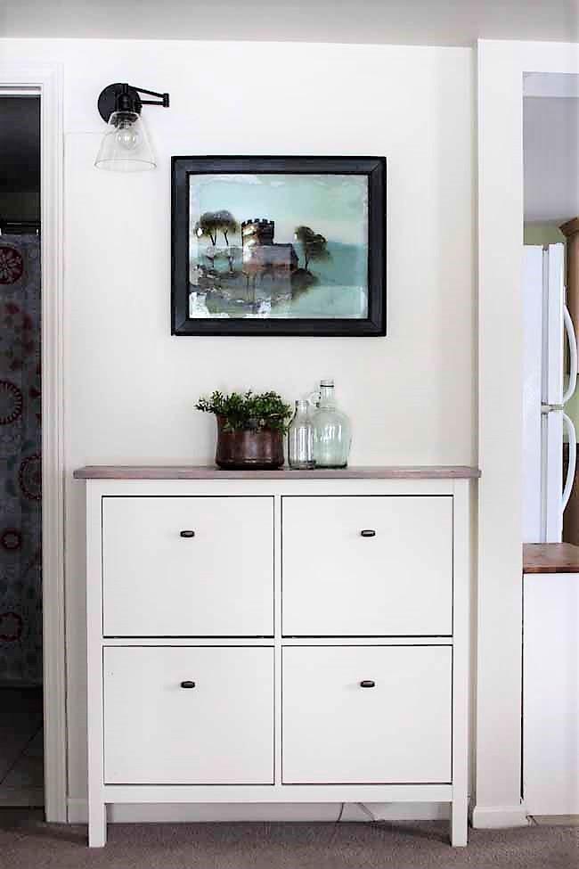 Ikea Hemnes Shoe Cabinet Hack with fake built in appearance | stowandtellu.com