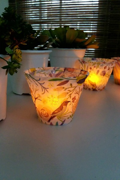 DIY Tissue Paper Light | Plastic cups wrapped with tissue paper to make flameless tea lights | stowandtellu.com