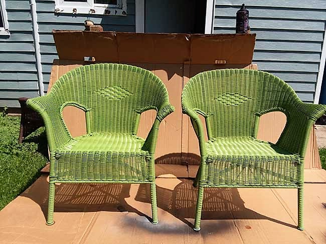 Green Resin Wicker Chairs | How To Paint Resin Wicker | Stowandtellu.com