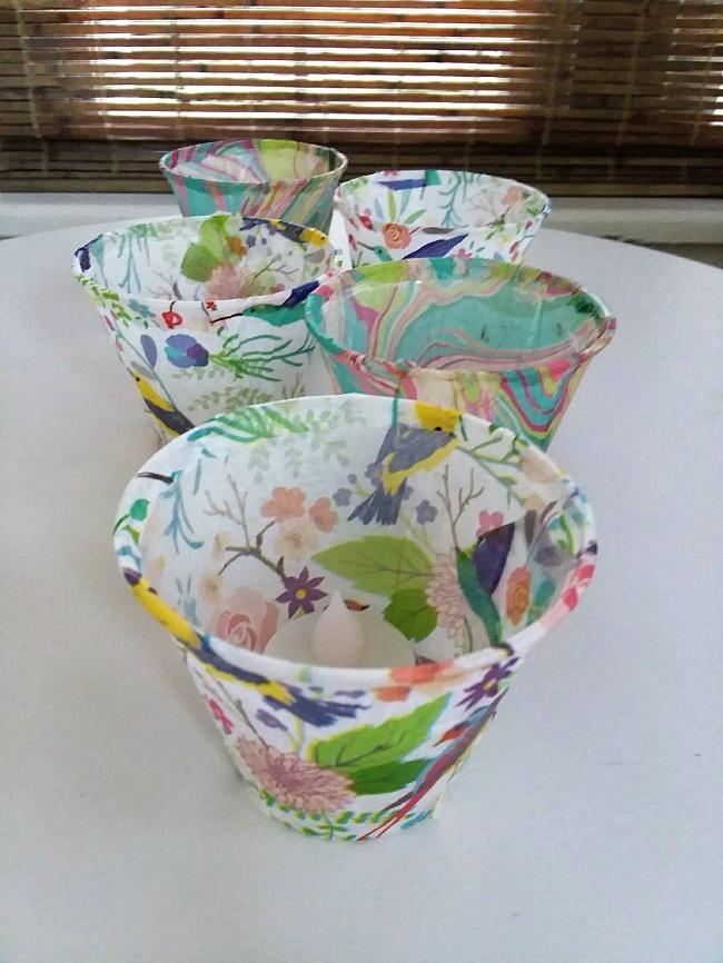 Plastic cup and tissue paper luminaries | stowandtellu.com