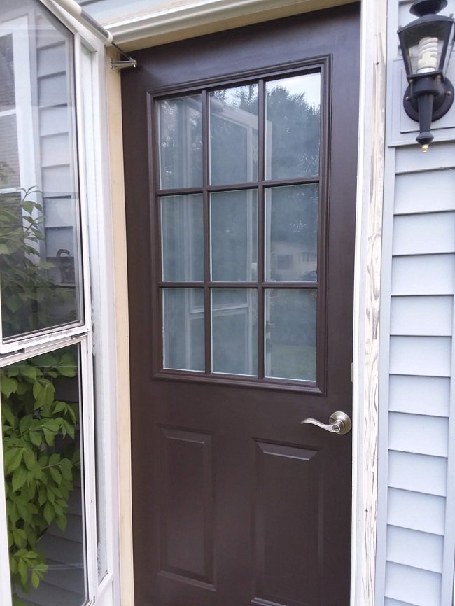 10 Steps to Painting Grid Doors and Frosting the Glass Windows