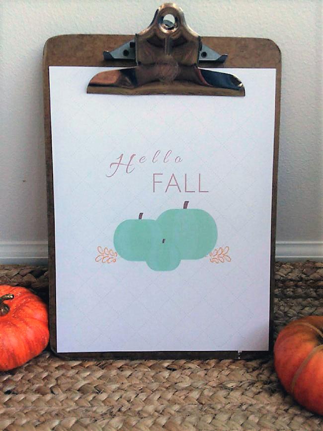 Hello Fall printable. Green pumpkins with white background | stowandtellu.com