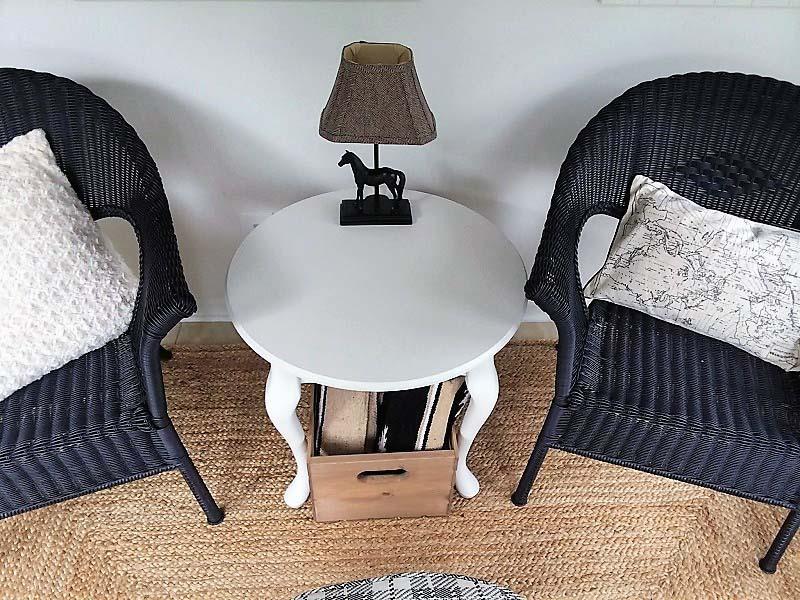 Saddle club inspired small sun room sitting area | stowandtellu.com