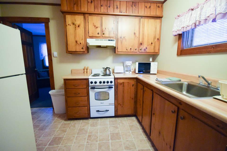 Spruce Cabin Kitchen Stowe