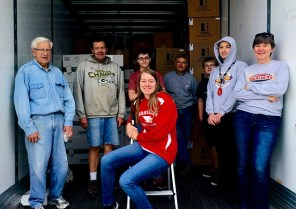 The group that worked together loading boxes for Lutheran World Relief