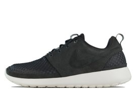 Nike-ROshe-Run-Woven-Night-Stadium-01