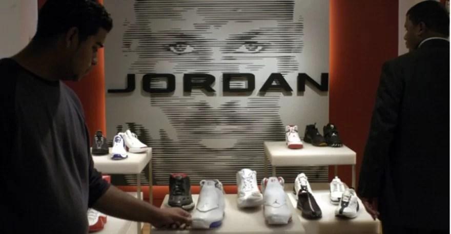 jordan-brand-womens-sneakers-non-basketball-wear