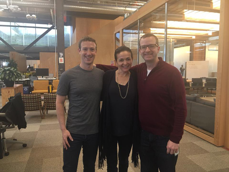 mark-zuckerberg-grey-t-shirt-outfit-2