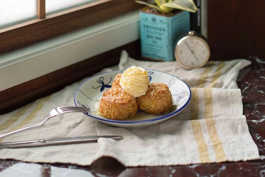 noshery-buttermilk-biscuits