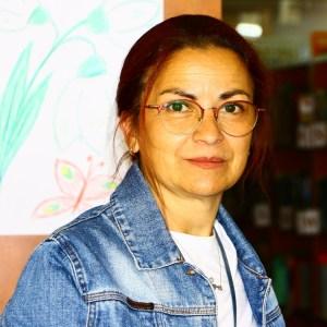 Ana Coca, bibliotecar
