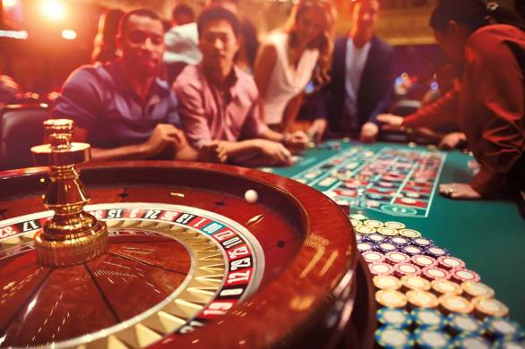 10 Casino Movies on Netflix Right Now | Straight From a Movie