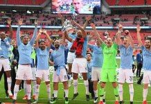Manchester City Lifting FA trophy