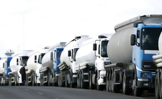 Tanker drivers, on Tuesday, embark on strike due to what they called some unfavorable conditions affecting their operations in the state. Mr Tayo Aboyeji, Chairman, National Union of Petroleum and Natural Gas Workers (NUPENG), Lagos zonal council, told the News Agency of Nigeria in Lagos that all the tanker drivers had been turned back to […]
